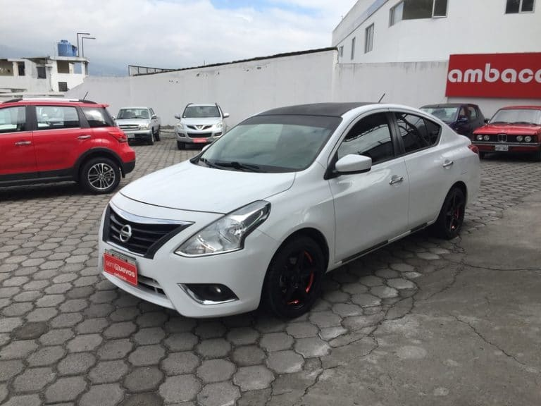 Nissan Versa 1.6 full 2015 - TBE9182