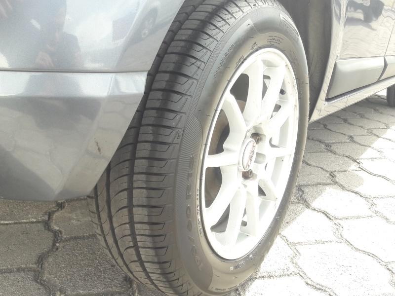 Renault Sandero 1.6 MT Expression - 2011